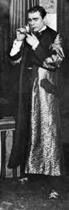 William Gillette as Sherlock Holmes-Photo-B&W-Resized.jpg (39804 bytes)